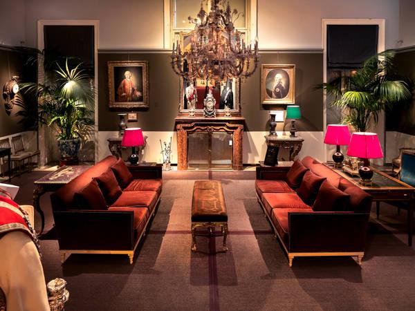 exklusiv details die schl sser sterreichs. Black Bedroom Furniture Sets. Home Design Ideas